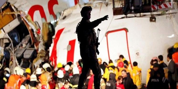 استاندار استانبول: 120 زخمی حادثه خروج هواپیما از باند به بیمارستان منتقل شدهاند