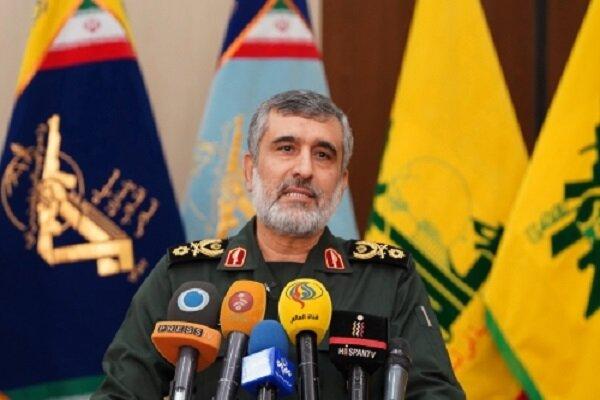 سردار حاجیزاده: به تمام کدها و فرکانسهای پهپاد MQ-4 دست پیدا کردهایم
