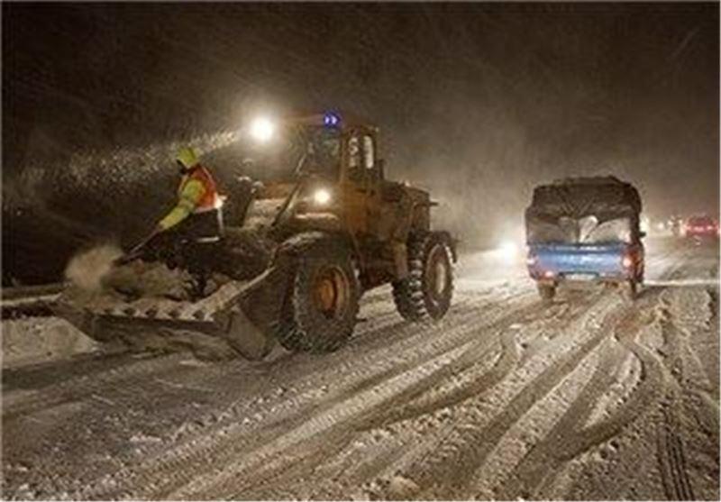 برف و کولاک راه ارتباطی ۵۰ روستای مراغه را بست