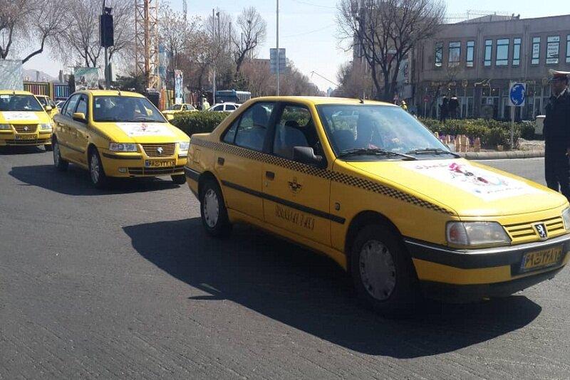 پای صحبت رانندگان تاکسی در یک روز برفی