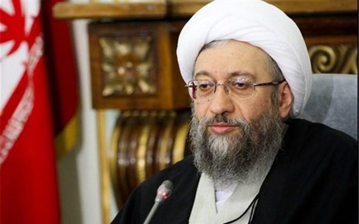 آملی لاریجانی: همه با هر سلیقهای که دارند در انتخابات شرکت کنند