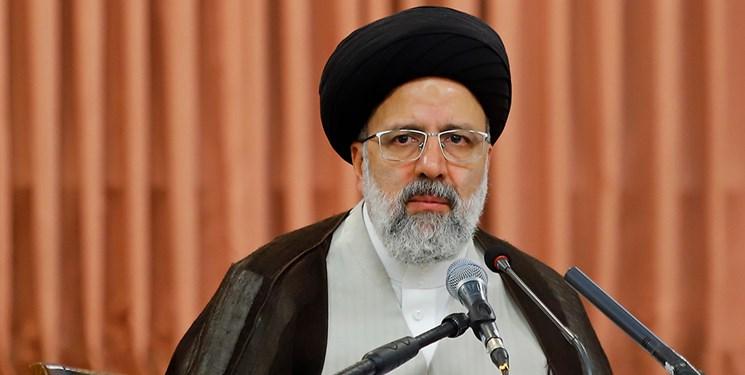 آیت الله رئیسی: مجلس قوی آینده کشور را تضمین می کند