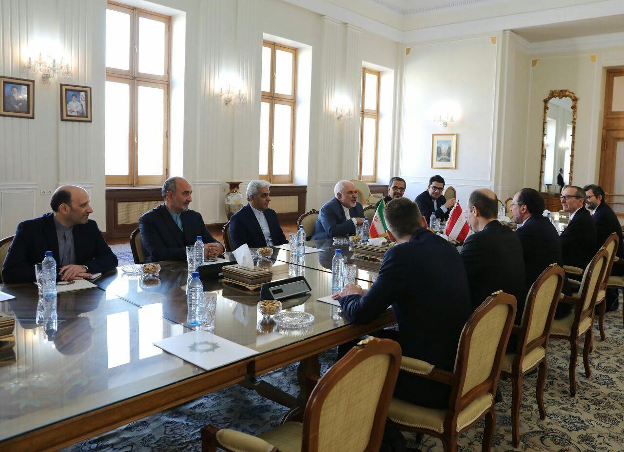 صبح امروز؛ وزرای خارجه ایران و اتریش درباره برجام گفتوگو کردند