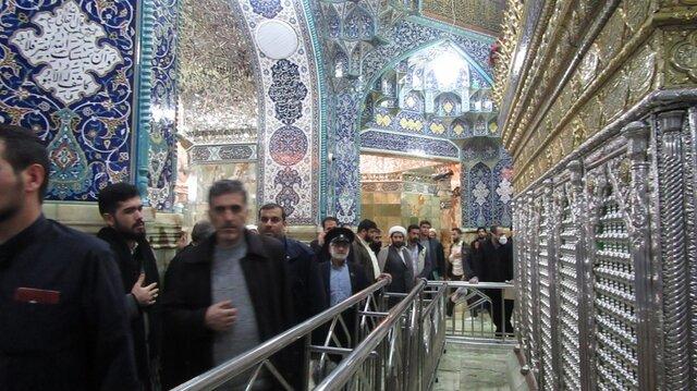 نماز جماعت و محافل مذهبی حرم حضرت معصومه(س) تعطیل شد