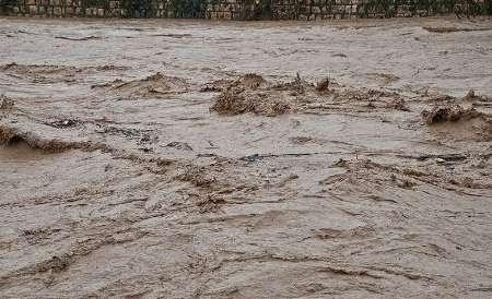 راه ارتباطی ۲۰۰ روستای الیگودرز همچنان قطع است